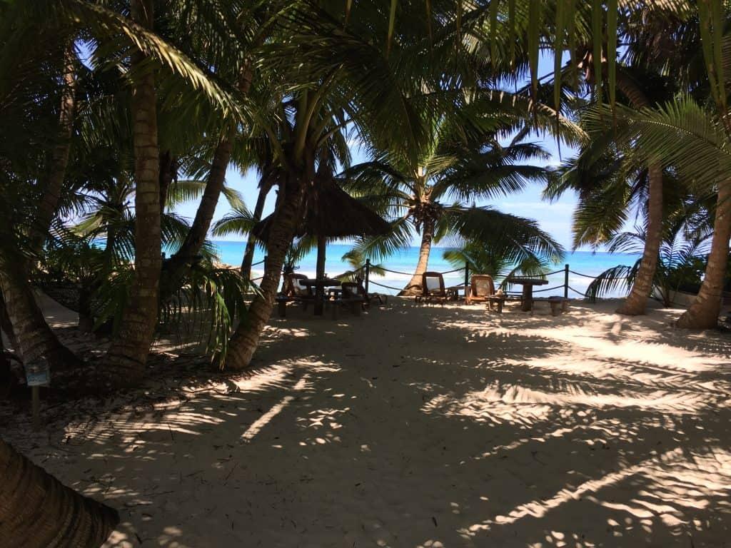 Anse Kerlan Beach Chalets