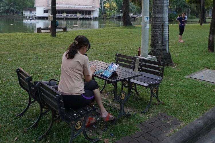 Pokemon catching - Lumphini Park