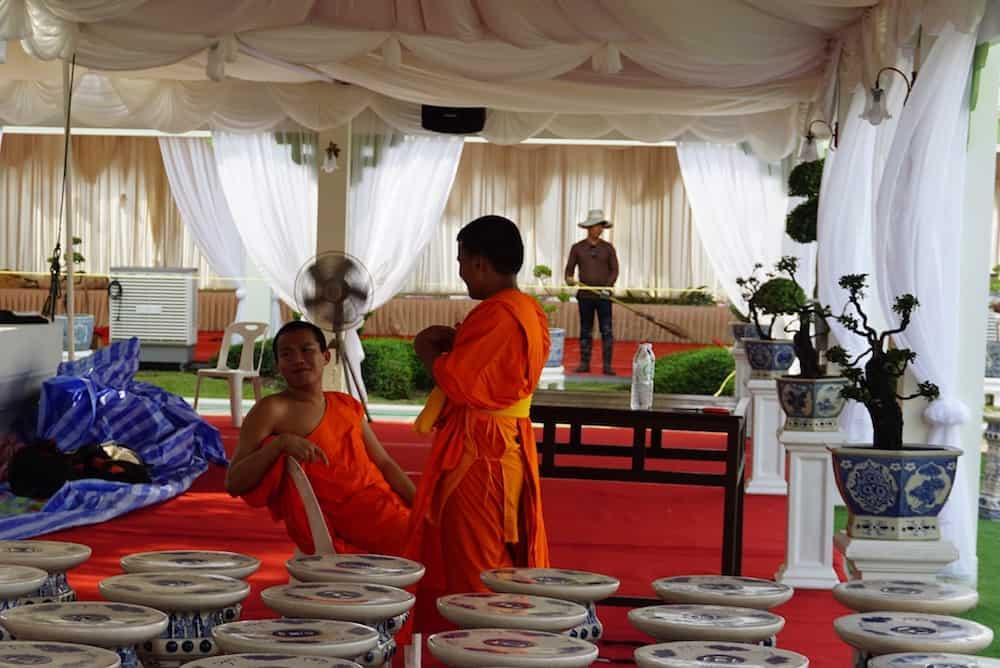 Monks at Wat Arun