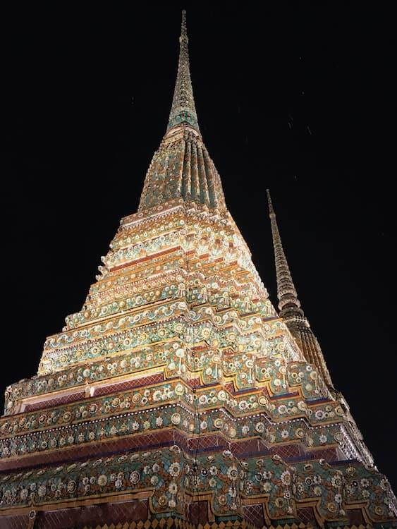Wat Pho open at Night?