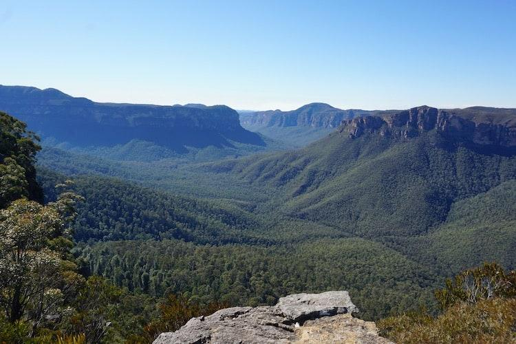 The view from Pulpit Rock into the Blue Mountains