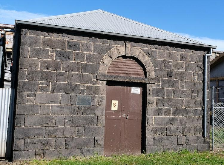 The front view of Williamstown Morgue